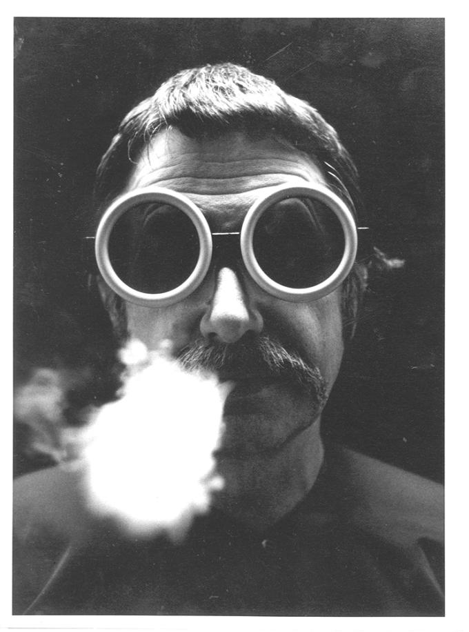 sottsass-foto-1968-occhiali