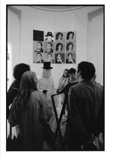 byars-1980-poerformance-foto-455140